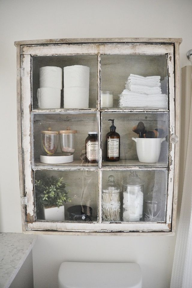 31 Easy DIY Projects to Transform Your Bathroom