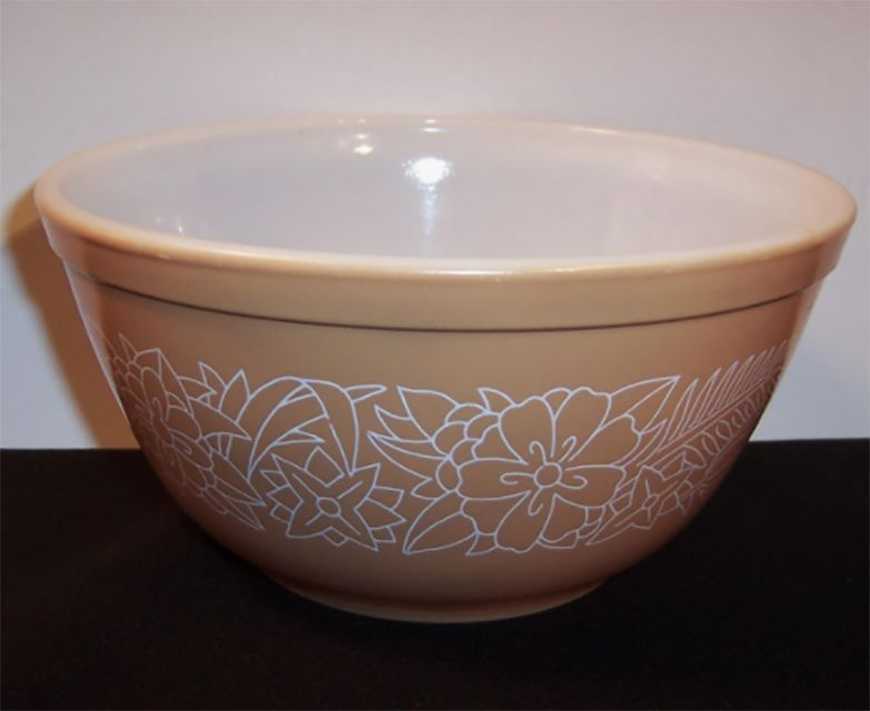 Pyrex Woodland Bowl