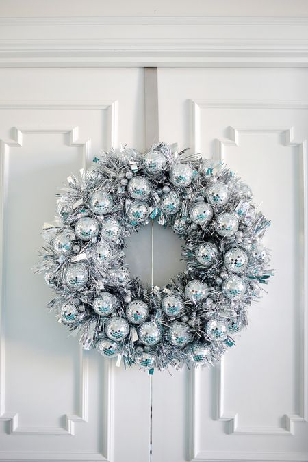 40 Sparkling DIY Disco Ball Projects For The Holidays Stunning Disco Ball Decorations Cheap