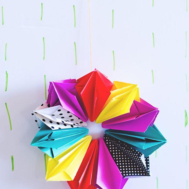 A paper diamond wreath