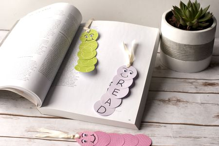 Silly Bookworm Bookmark Craft For Kids