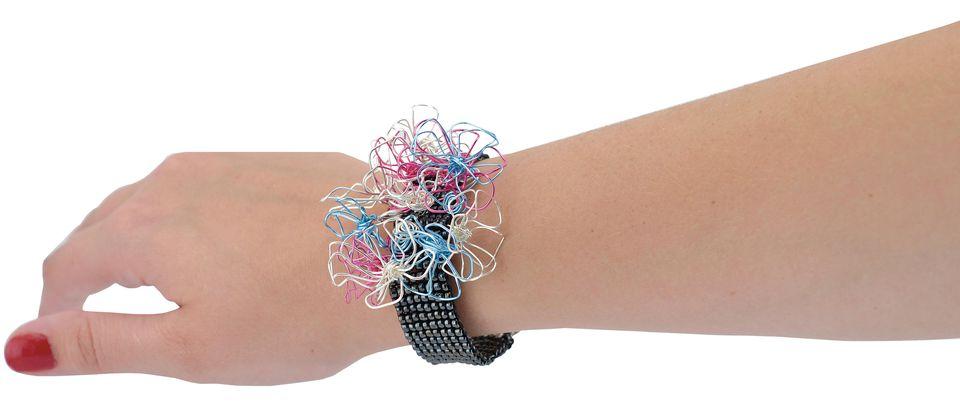 Loom-Flower-Bracelet-.jpg