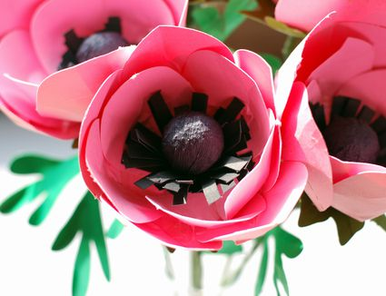 28 fun and easy to make paper flower projects you can make how to make paper anemone flowers mightylinksfo