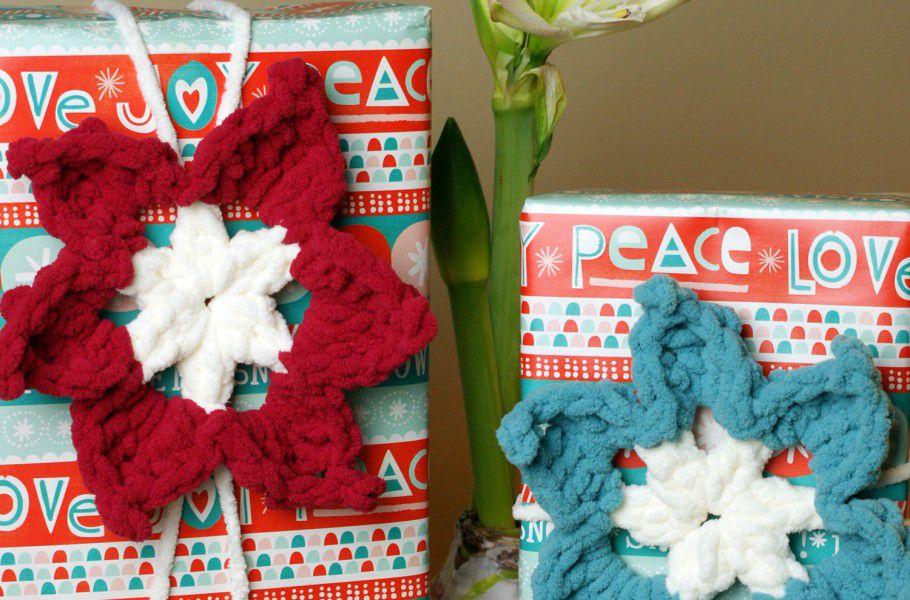 Poinsettia Crochet Gift Topper