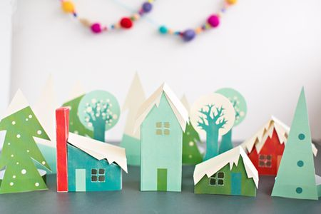 11 pretty paper christmas ornaments and crafts - Childrens Christmas Tree Decorations