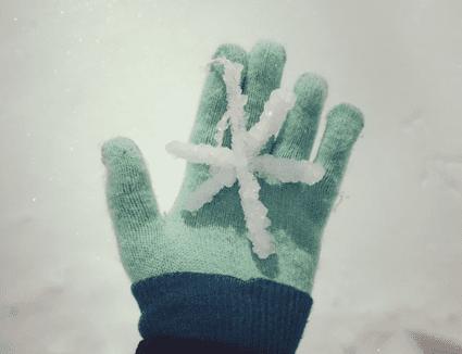 A borax crystal snowflake won't melt when it's warm.