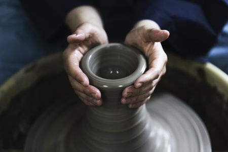 74e938f9 Gifts to Give the Potter in Your Life