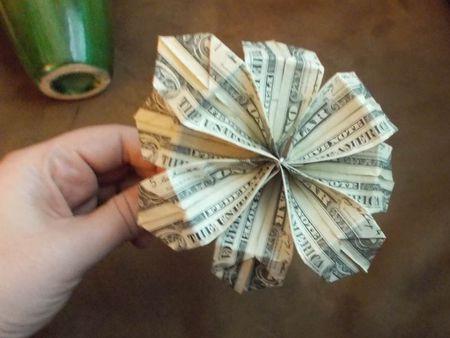 Make a bouquet of origami money flowers money flower mightylinksfo