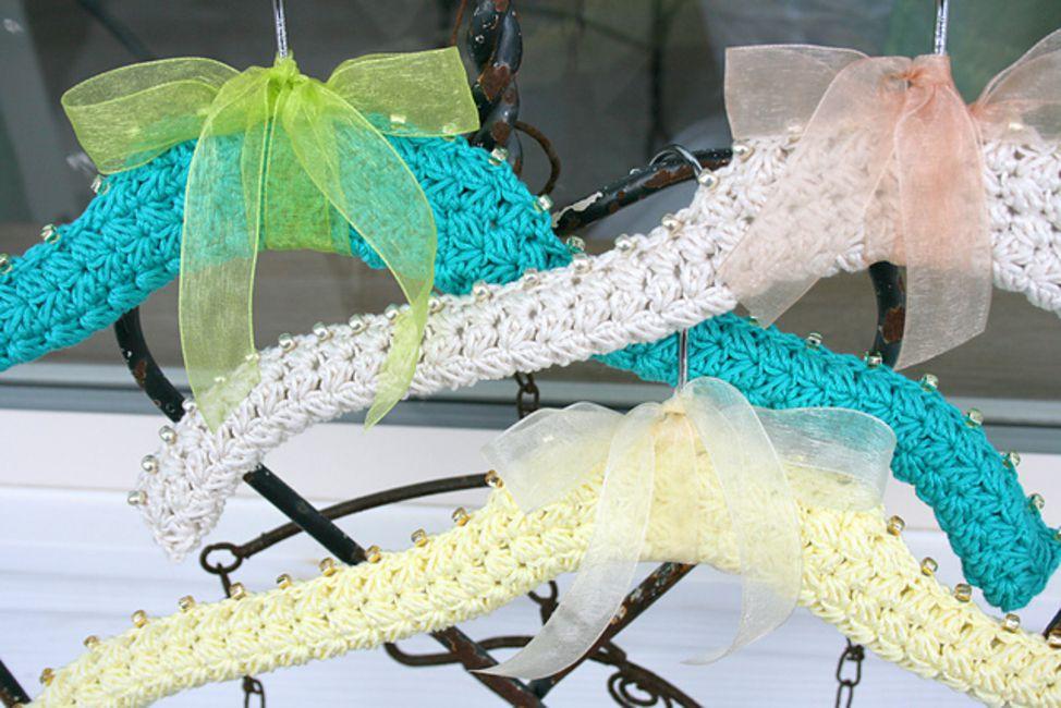 Beaded Crochet Hanger Cover Pattern