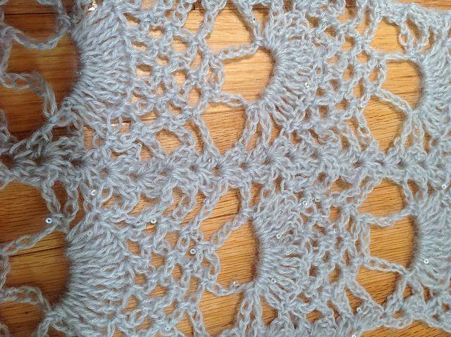 Pineapple lace crochet scarf