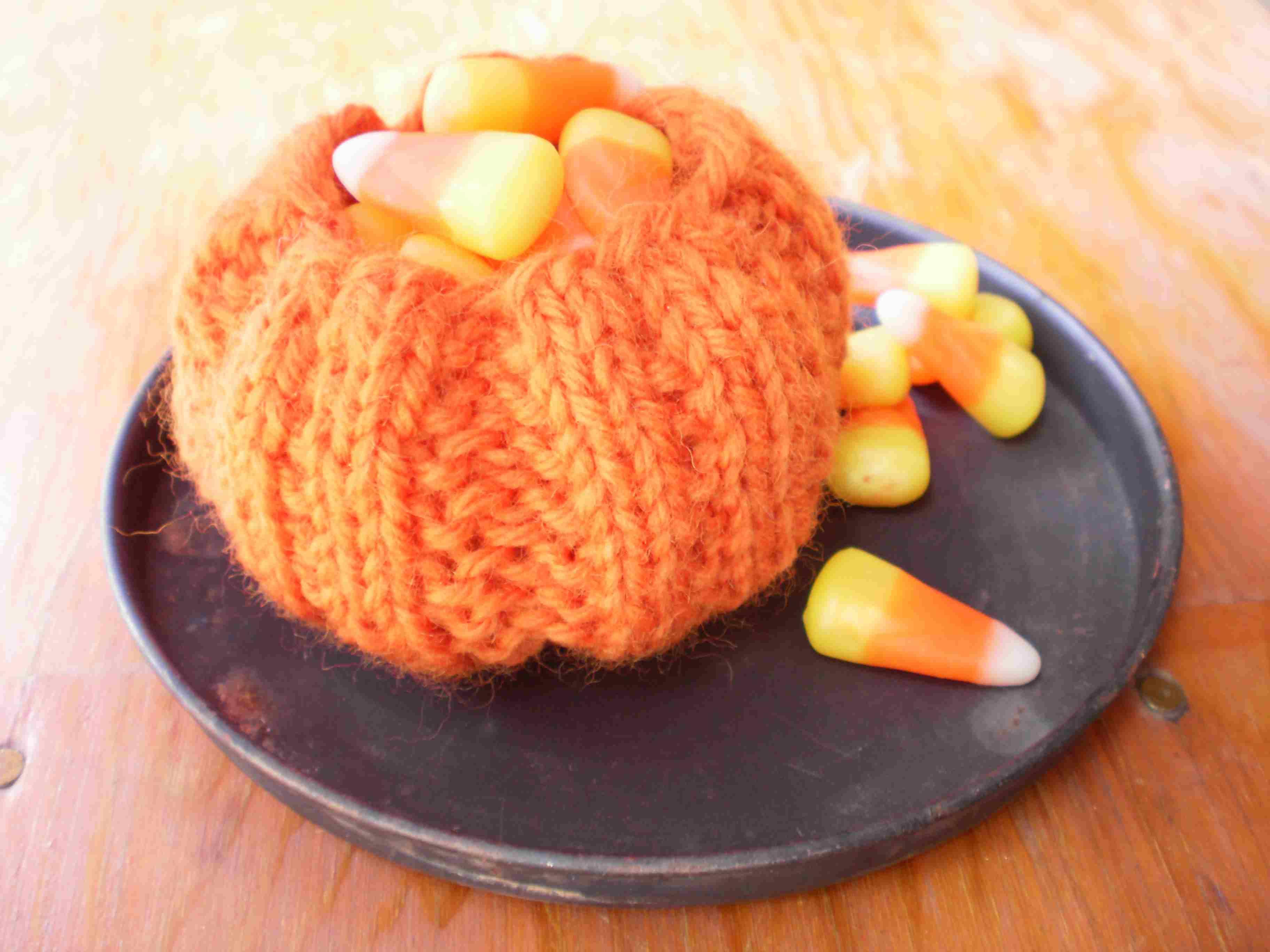 Pumpkin Candy Dish Knitting pattern