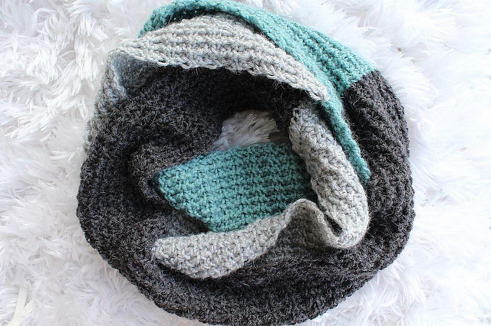a71401f38 25 Best Crochet Scarf Patterns