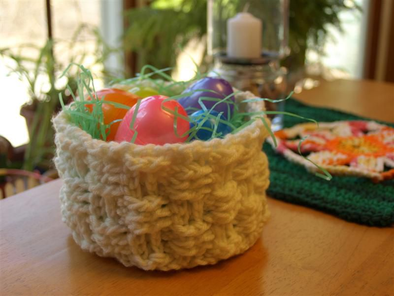 10 Free Crochet Easter Basket Patterns