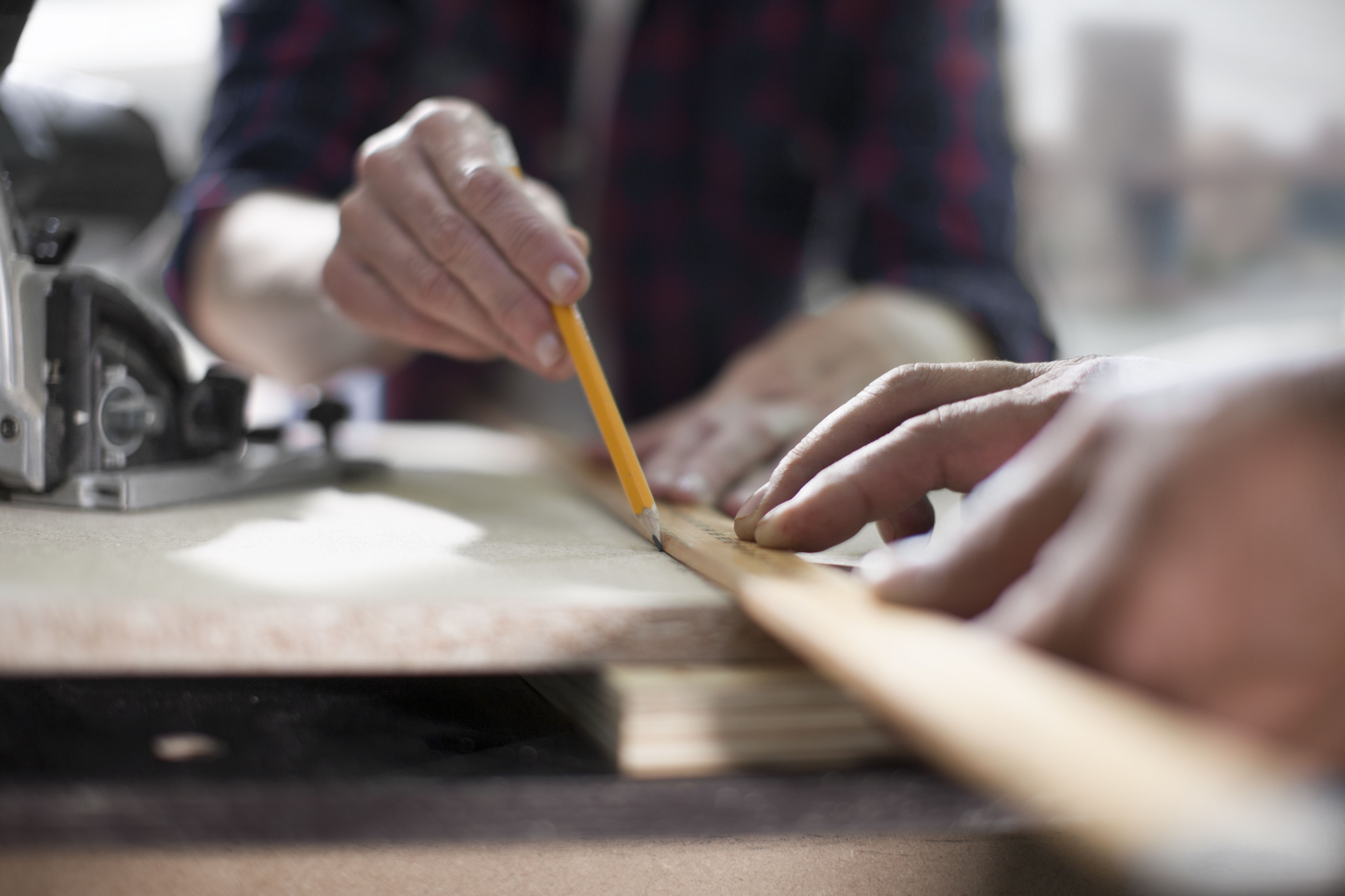 How to Build Woodworking Projects Using Maple