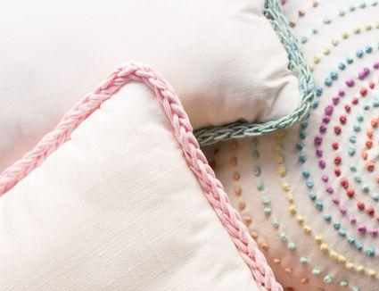 Finger Knitting-Trimmed Pillows
