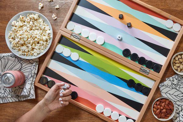 a set up backgammon board