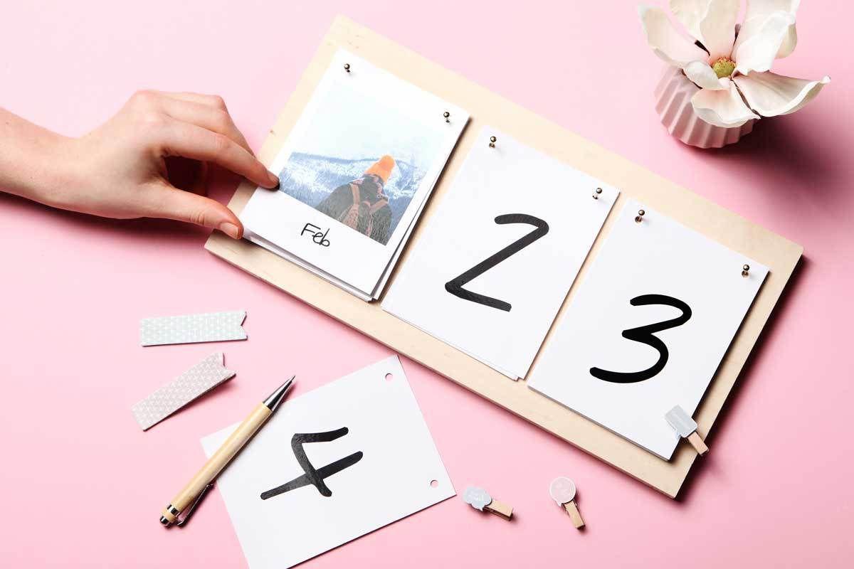 DIY Photo Desk Calendar