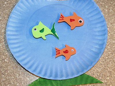 How to make top hats using a paper plate make a whimsical paper plate fish bowl craft with the kids maxwellsz