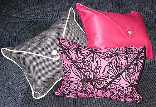Free sewing pattern and directions to make a pillow with an envelope flap