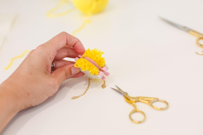 Cut yarn