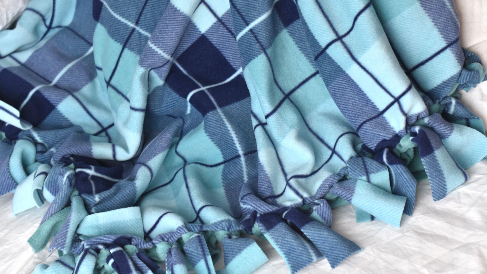 CHEVRON FLEECE BLANKET..No Sew..Hand Tied..Double Layer..Reversible..Fringe BlanketThrow..Gift