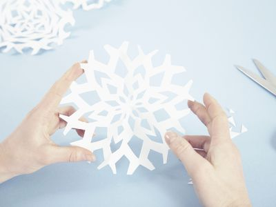 Decorate Your House With Amazing Winter Snowflake Patterns