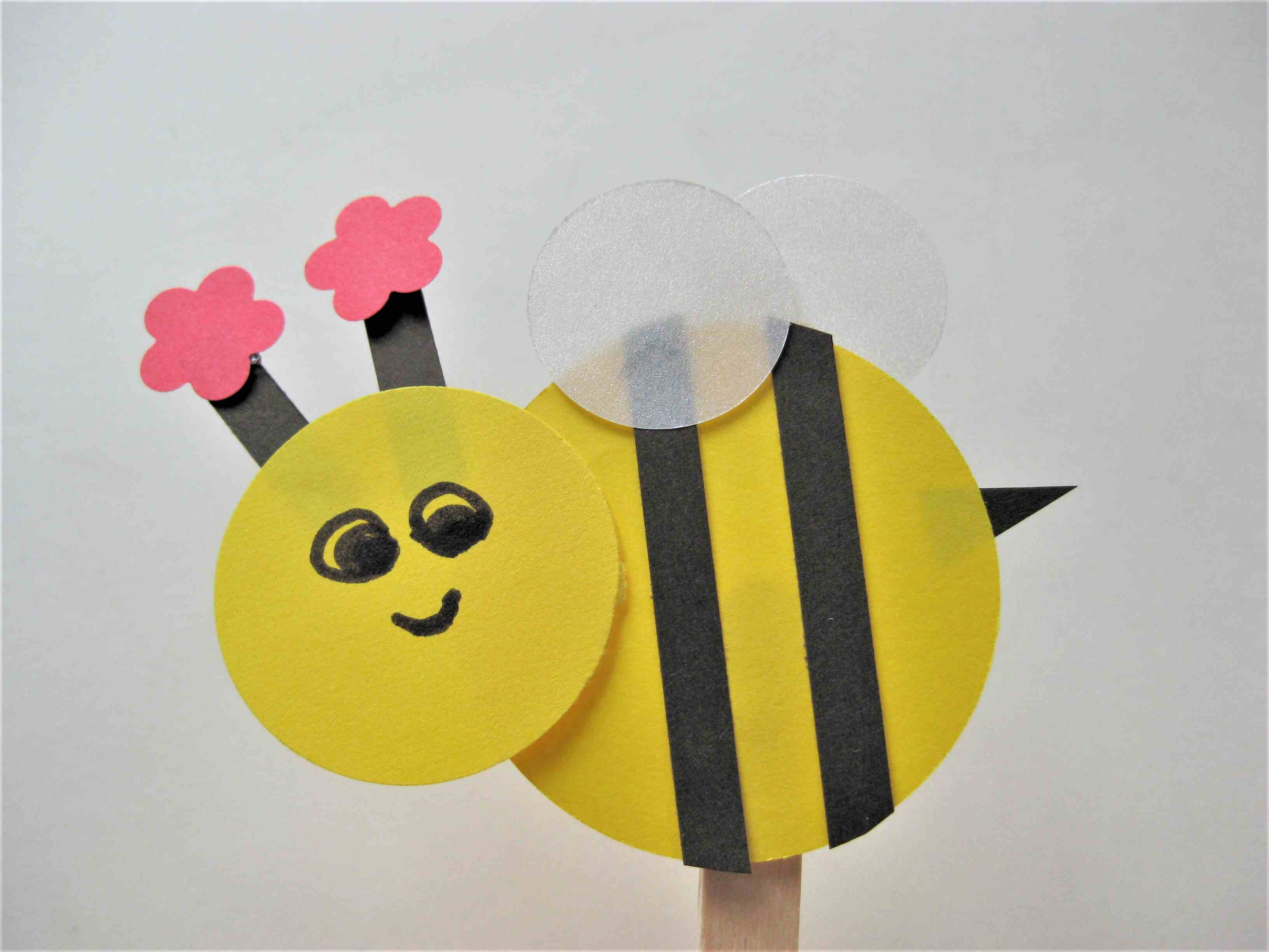 """Wooden Bee Craft Topper 6 x Stick On Bumble Bees Cards 1 1//2/"""" x 1 1//4/"""""""