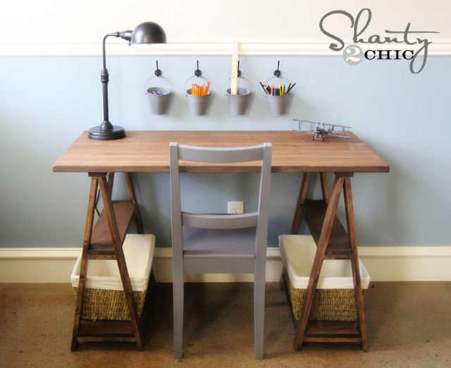 A Diy Sawhorse Trestle Desk