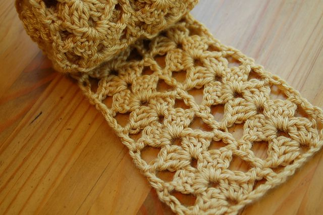 Spring crochet scarf free pattern