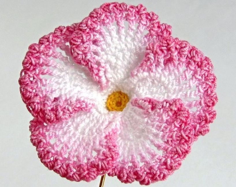 25 Easy Crochet Flower Patterns
