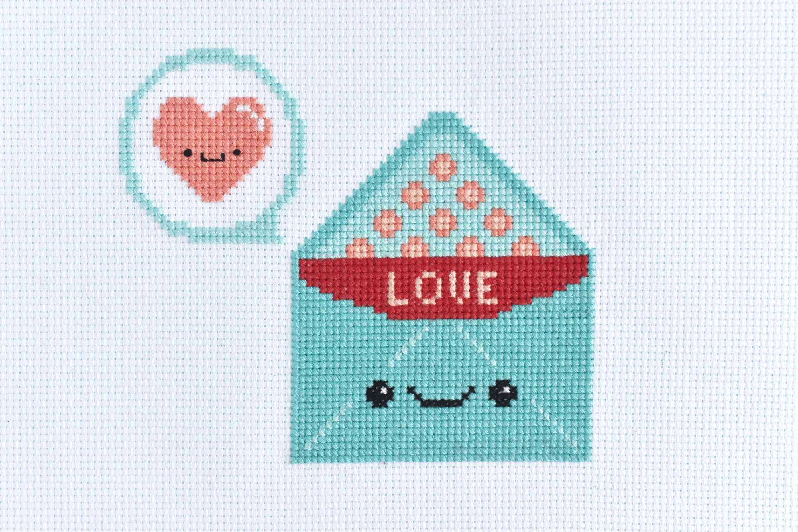 Smiling Valentine Envelope Cross Stitch Pattern
