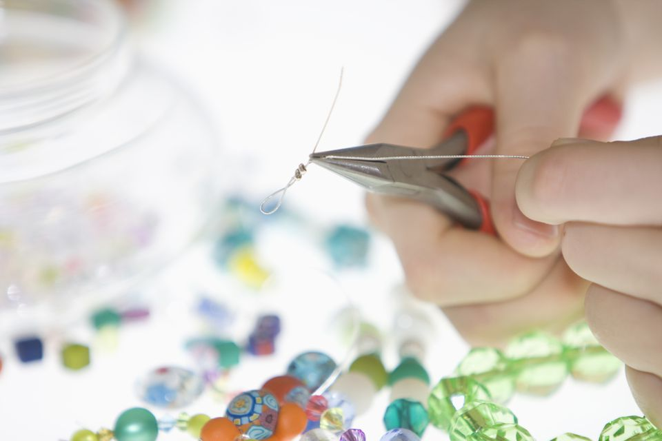 Making bead necklace