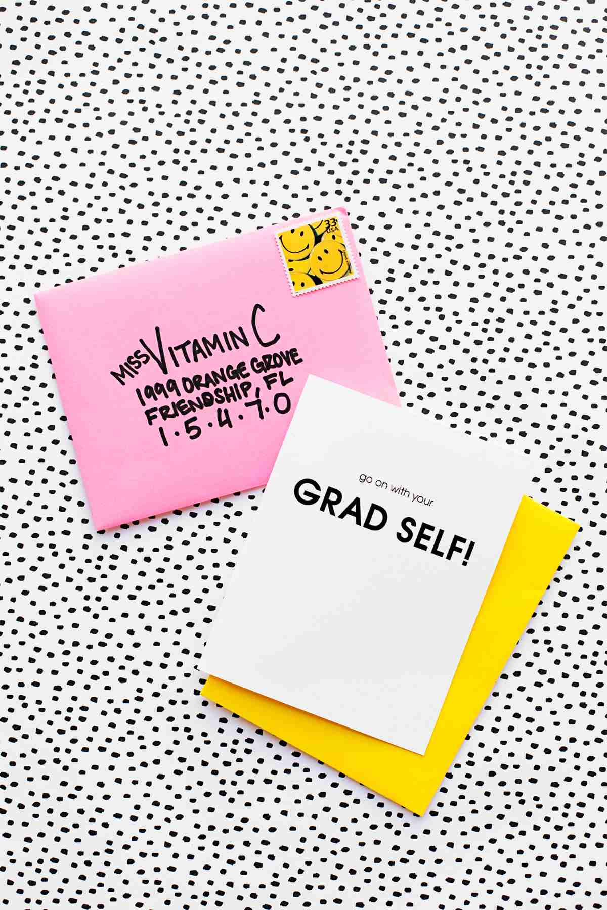 30 Amazing Graduation Gifts That You Can Make
