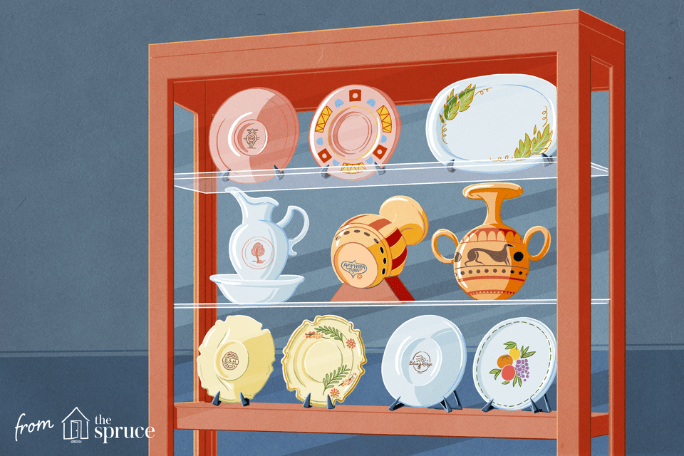 Illustration of antiques in a case