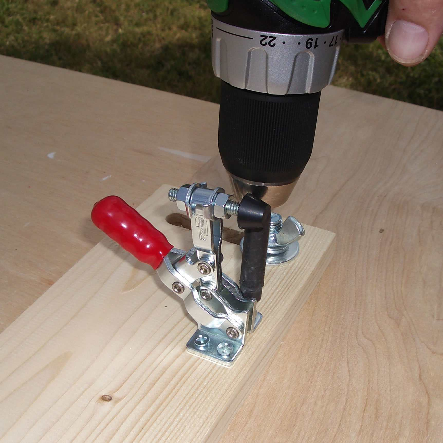 Attach the Quick-Release Toggle Clamps