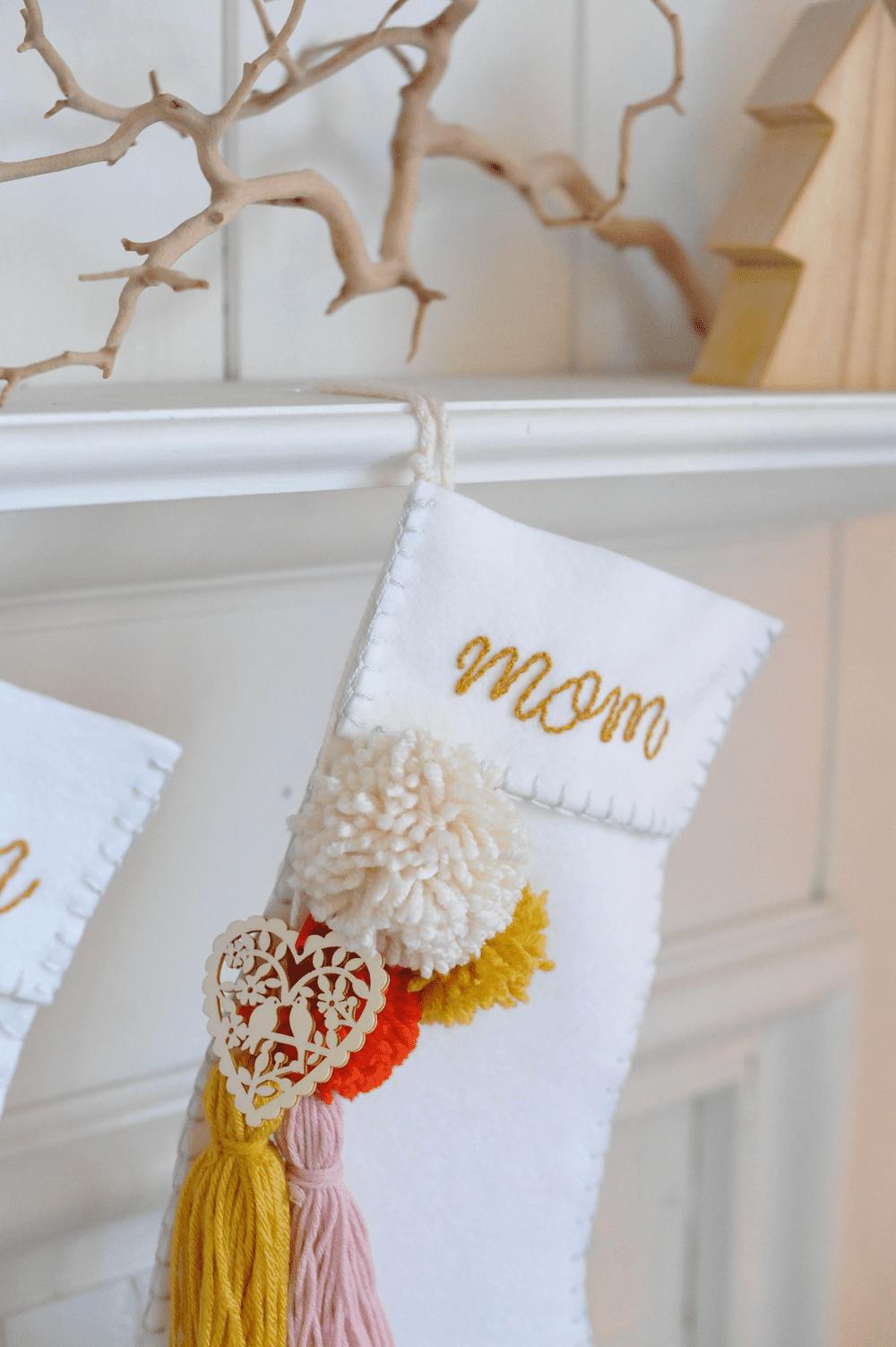 15 Cute DIY Christmas Stockings