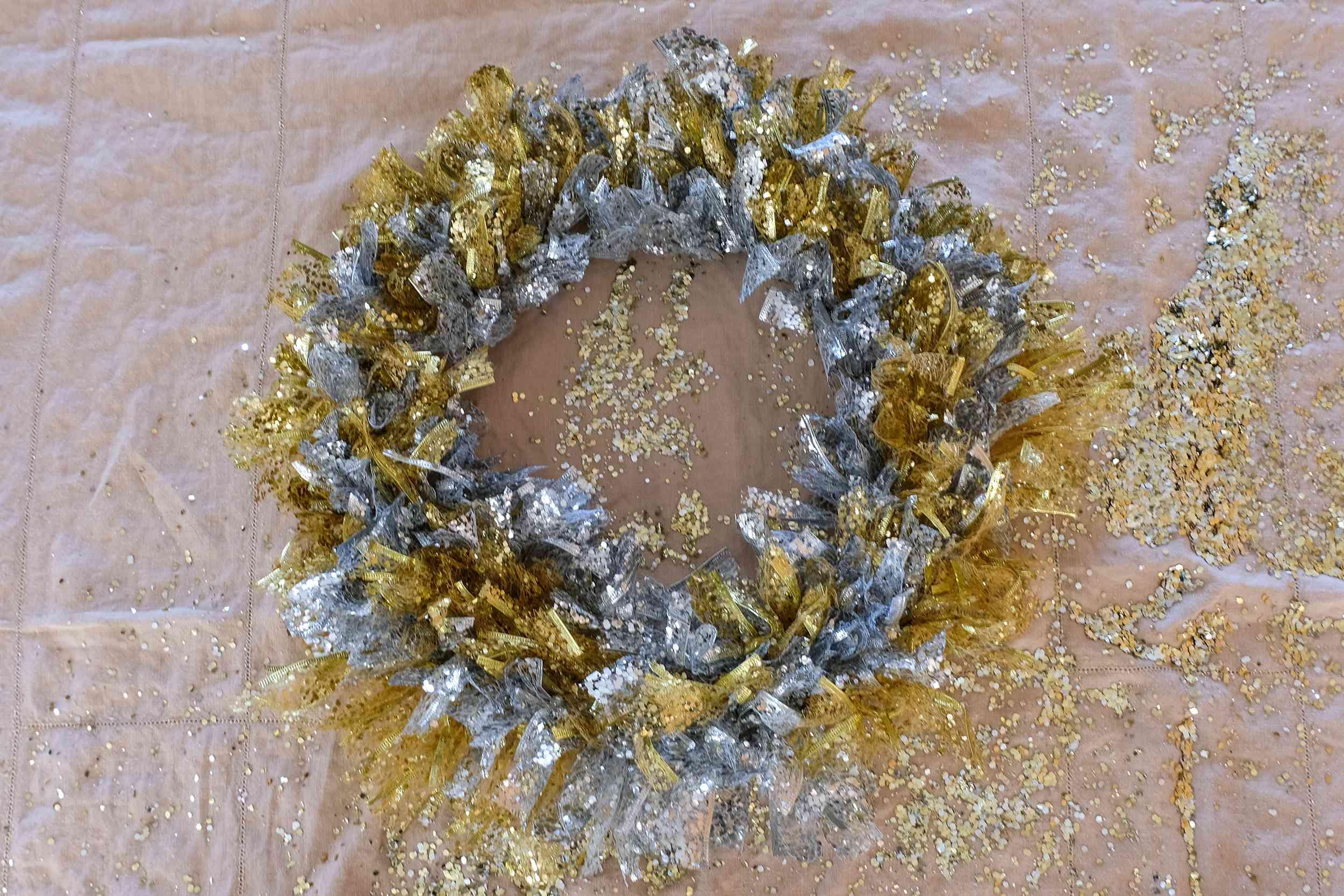 finished ribbon wreath diy