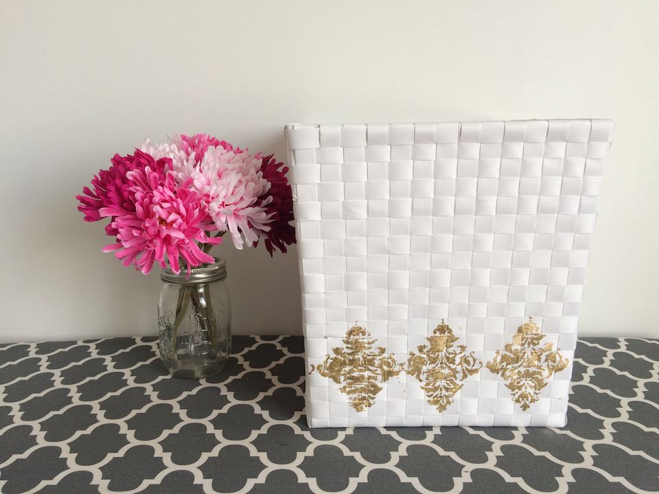 Amazing DIY Stenciled Baskets For All Your Storage Needs