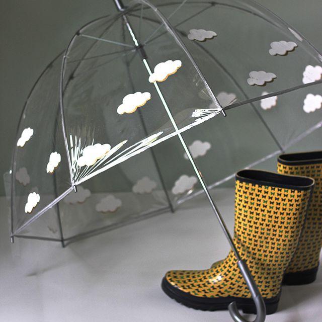 DIY Fluffy Clouds Umbrella