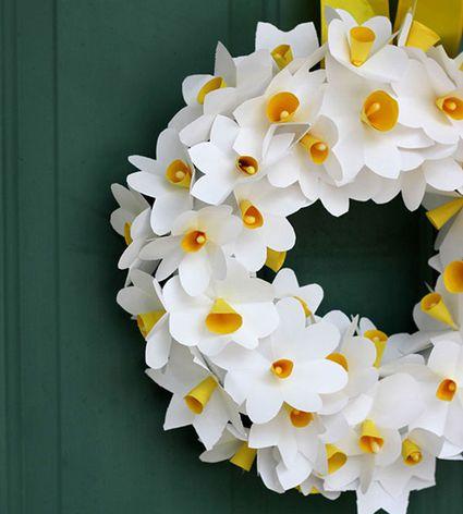paper daffodil wreath