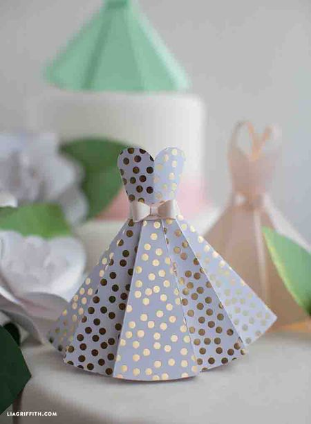17 Paper Crafts Perfect For Bridal Showers