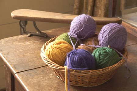 How To Make A Ball Of Yarn With A Ball Winder