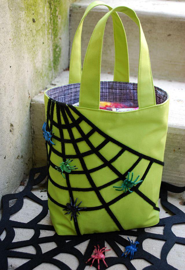 Sticky spiderweb treat bag