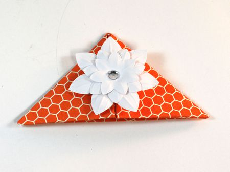 How to make adorable and easy origami corner bookmarks decorate with a pretty paper flower origami corner bookmark mightylinksfo
