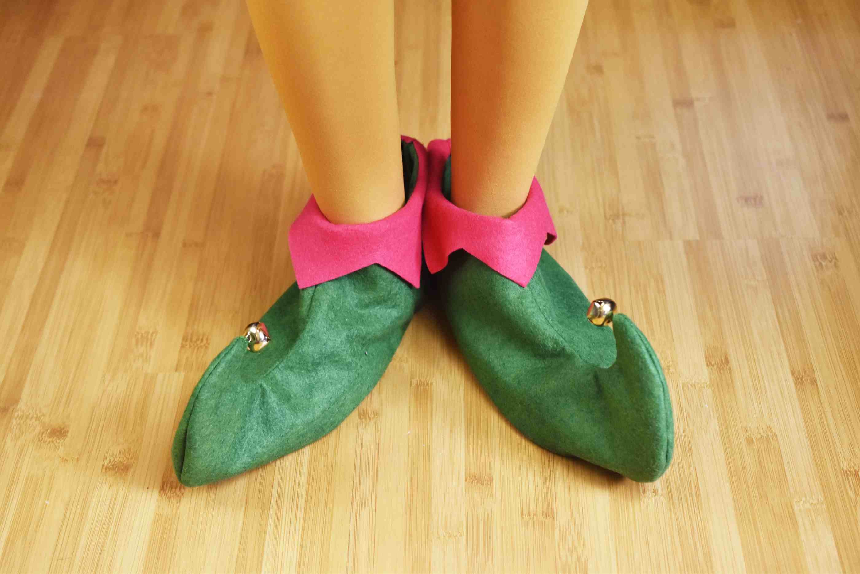 d0b1542e55f5a How to Sew Felt Elf Shoes