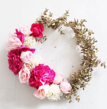 20 pretty diy spring wreaths diy paper flower wreath mightylinksfo