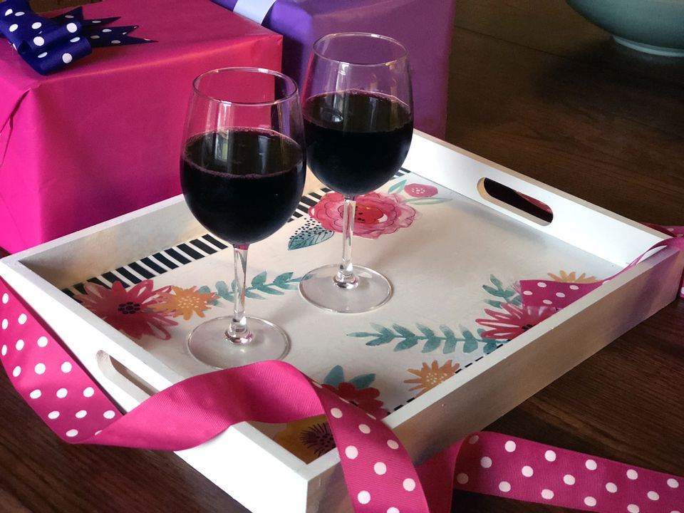 decoupage tray with wine glasses