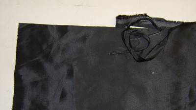 Square and even edges of the fabric