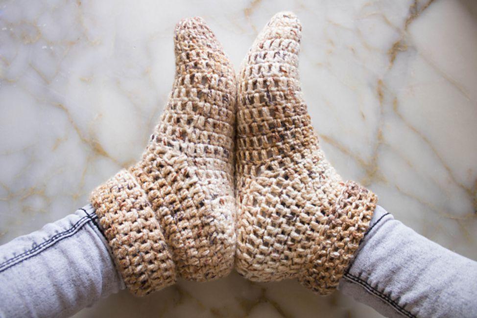 10 Patterns To Make Crochet Slippers