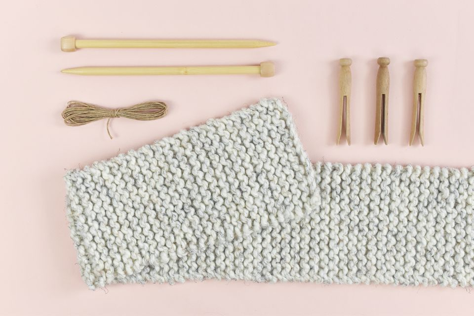 How to Make an Easy Chunky Knit Scarf